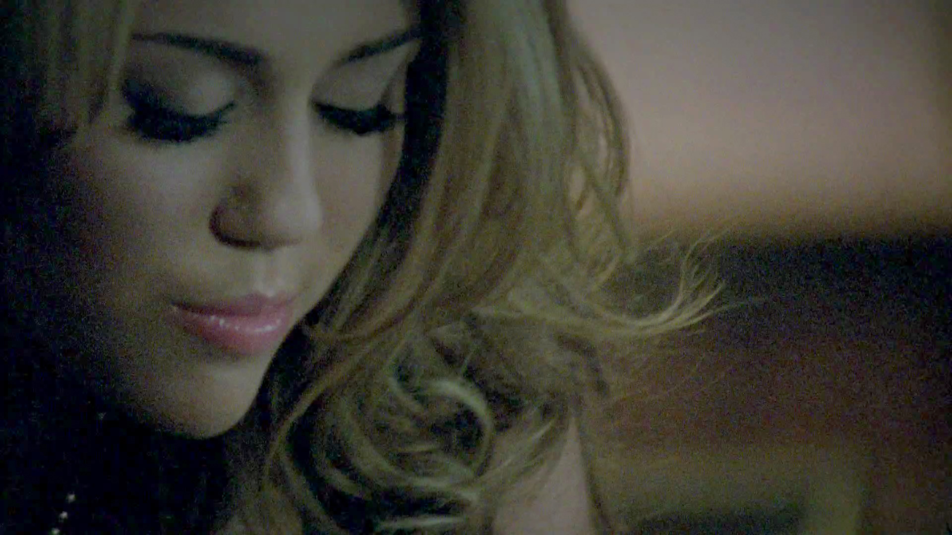 Miley Cyrus - Who Owns My Heart 1080p HD ( ShellX ) torrent